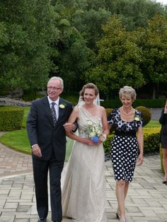 Gorgeous bride wearing   www.seralilly.com