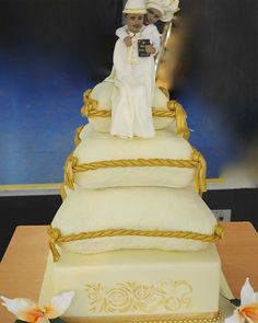 Cushion African Wedding Cake African Wedding Cakes, Luxury Cake, How To Make Cake, African Fashion, Celebrities, Cake Pictures, Cushion, Style, Image