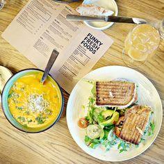 My favorite lunch spot in Oslo  #funkyfreshfoods #oslo #lunch #vegan #gogreen #food #yummy #delicious #crueltyfree