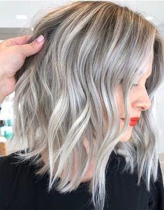 Edgy Silver Hair Color Ideas for Medium Length Hair Edgy Hair Color Edgy Hair Ideas Length Medium silver Silver Blonde Hair, Brown Ombre Hair, Ombre Hair Color, Medium Hair Styles, Short Hair Styles, Hair Medium, Silver Hair Highlights, Hair Lengths, Kim Tran