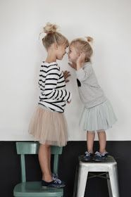 Cute sister photo-- bahahaha, Jackie and I could still probably do something like this!