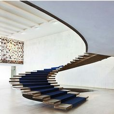 I want such stairs!!! Incredible!!!