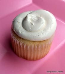 Starlight Cupcake with Aquafaba Swiss Meringue Buttercream - All Egg free