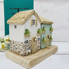 Wood Houses, Ceramic Houses, Cardboard Crafts, Wooden Crafts, Small Wooden House, Doll Home, Scrap Wood Projects, Driftwood Crafts, Timber House