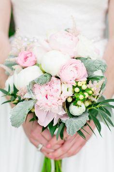 blush bouquet   Cassandra Photo   Glamour & Grace