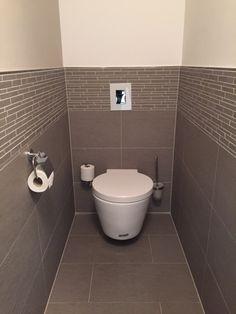 Gäste WC mit unserer Fliese TopCollection Leo gris http://www.franke-raumwert.de/Fliesen/TopCollection/Leo/ #GästeWC #fliesen #Bad #Toilette #Haus #Umbau #TopColection #interior