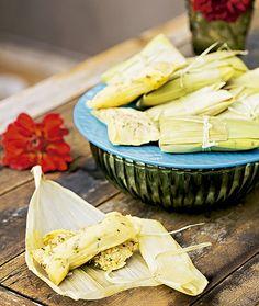 Tamale com frango caipira e queijo minas curado (Foto: Elisa Correa/Editora Globo)