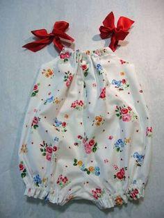 Resultado de imagem para baby girl dungarees outfit ideas