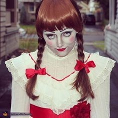 Here is the Annabelle Halloween makeup tutorial to make you the Annabelle doll in this upcoming Halloween party. Discover more Halloween makeup tutorial!!