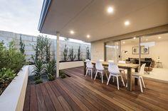 #alfresco #patio #backyard #decking #outdoordining