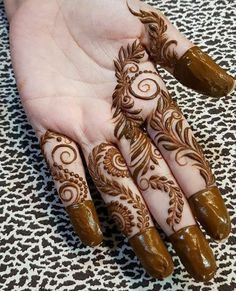 Easy Henna Mehndi Designs for Starters Latest Henna Designs, Henna Tattoo Designs Simple, Floral Henna Designs, Finger Henna Designs, Full Hand Mehndi Designs, Henna Art Designs, Mehndi Designs For Beginners, Mehndi Designs For Girls, Mehndi Design Photos