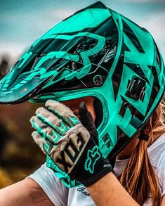 Dirt Bike Riding Gear, Dirt Bike Helmets, Motorcycle Bike, Motocross Girls, Motocross Helmets, Dirt Bike Quotes, Bike Photography, Kart, Dirtbikes
