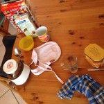 Jolie surprise de MiniBulle au reveil, table mise seule à 4 ans