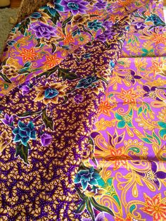 Purple Hand Dyed Malaysian Floral Batik by NativeArtsTreasures Malaysian Batik, Purple Hands, Color Combos, Etsy Store, Fashion Art, Print Patterns, Bali, Thailand, Creations