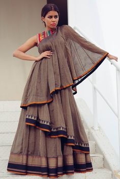Party Wear Indian Dresses, Designer Party Wear Dresses, Indian Gowns Dresses, Kurti Designs Party Wear, Dress Indian Style, Indian Fashion Dresses, Indian Designer Outfits, Fashion Outfits, Long Dress Design