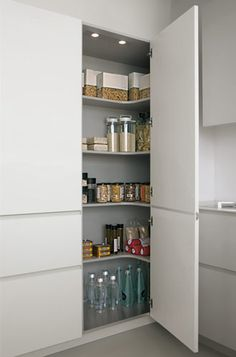 Ideas for kitchen corner pantry cabinet organizations Kitchen Pantry Design, Modern Kitchen Cabinets, Modern Kitchen Design, Home Decor Kitchen, Kitchen Furniture, Kitchen Interior, Home Kitchens, Kitchen Organization, Corner Pantry Cabinet