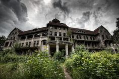 check-in abandoned hotel