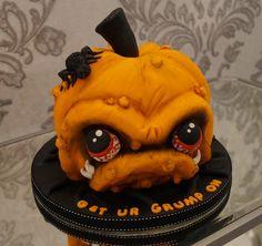 Grumpy Pumpkin Cake - Get Your Grump On