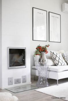 Mieletön viikko tiedossa ja edustusjuttuja! | Coconut White Living Room Kitchen, Fireplaces, My Dream Home, Interior Decorating, Sweet Home, Gallery Wall, Coconut, Blog, Inspiration