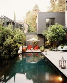Come to the Dark Side: Dark Bottom Pools | Apartment Therapy