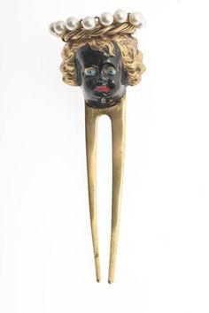 Peigne | Jean Schlumberger, créateur; France, c. 1936/1939, for Elsa Schiaparelli. Gold metal, glass beads, enamel.