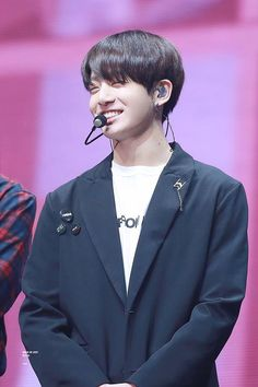 Did I ever mention how much I love eye smiles on Kookie? Jungkook Lindo, Jungkook Oppa, Namjoon, Taehyung, Jungkook Smile, Jung Kook, Jung Hyun, Busan, Taekook