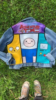 Painted Denim Jacket, Painted Jeans, Painted Clothes, Hand Painted, Painted Shorts, Sewing Clothes, Diy Clothes, Jean Diy, Denim Art