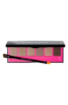 This Bobbi Brown 'Ultra Nude' Eye Palette is classic Bobbi!