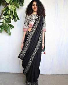 New Arrivals – Block Printed Mul Cotton Saree by Chidiyaa Women's Dresses, Indian Dresses, Indian Outfits, Indian Clothes, Fashion Dresses, Black And White Saree, Black Saree, Red Saree, Plain Black
