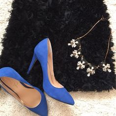 """Jessica Simpson Royal Blue Heels Royal blue, the color of elegance. A great pop of color to compliment an outfit, whether for work or play. Heel height is ~3"""". Jessica Simpson Shoes Heels"""