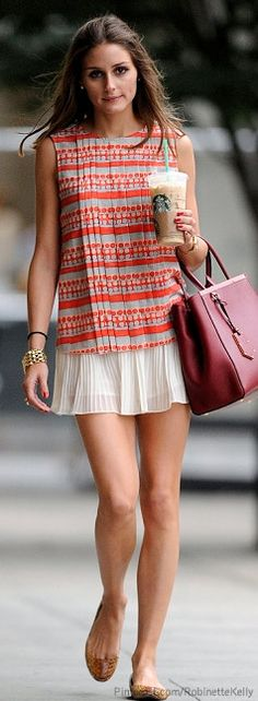 Street Style | Olivia Palermo - LOVE THE ACCORDION PLEATS, TOP & BOTTOM