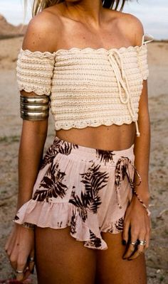 38 Ideas Crochet Sweater Boho Crop Tops For 2019 Crochet Bandeau Tops, Top Crop Tejido En Crochet, Crochet Summer Tops, Crochet Shirt, Crochet Bikini, Cute Crochet, Crochet Top, Irish Crochet, Crochet Fashion