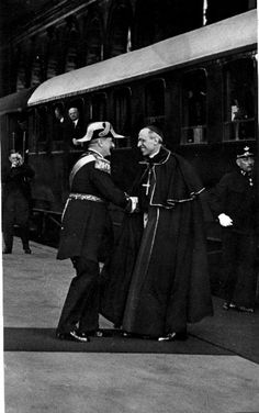 Pacelli (Pio XII)& Horthy Miklós Governor in Eucharistic Congress, Hungary 1938 Defence Force, Wwii, Che Guevara, Germany, Around The Worlds, Army, 1, History, Memes
