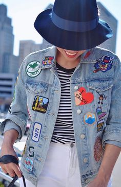 Getting Personal With Patches - Jeans Jacket - Ideas of Jeans Jacket - Outfit with patches on denim jacket Jeans Patch, Denim Jacket Patches, Patched Jeans, Denim Jackets, Patch Jean Jacket, Jean Jackets With Patches, Jacket Jeans, Look Patches, Diy Patches