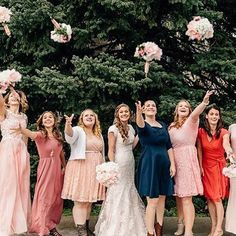 Love this fun shot of @mrs.em.fitz and her bridesmaids by @kennedykiaraphoto