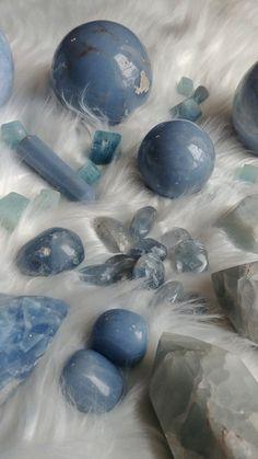 The Lemurian Trigon Chakra Crystals, Blue Crystals, Crystals And Gemstones, Stones And Crystals, Crystal Aesthetic, Light Blue Aesthetic, Crystal Guide, Crystal Magic, Crystal Healing