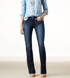 Find jeans for women in every fit and wash you'll love from American Eagle Outfitters. Choose from Jegging, Skinny, Artist, Favorite Boyfriend and more in light and dark washes from America's favorite denim brand. Womens White Jeans, Black Jeans Women, Best Jeans For Women, Black Ripped Jeans, Skinny Jeans, Jean Outfits, Cool Outfits, Casual Outfits, Amazing Outfits