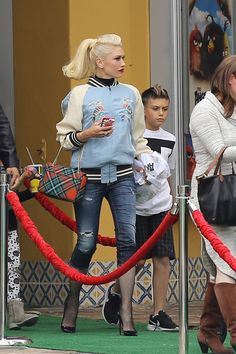 Los Angeles, CA - Gwen Stefani and Blake Shelton stay separated at The Angry Birds Movie screening. Blake seems to be having a good time as he is seen smiling and laughing as he poses for pictures with friends and fans. Gwen meanwhile was busy keeping a watchful eye on her son Kingston and niece Stella. AKM-GSI May 7, 2016 To License These Photos, Please Contact : Steve Ginsburg (310) 505-8447 (323) 423-9397 steveakmgsi.com salesakmgsi.com or Maria Buda (917) 242-1505 mbudaakmgsi.com…