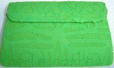Carteira nellfernandes trapézio em algodão indiano verde.