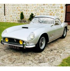 Ferrari_250-california_three-quarter-frontal-view