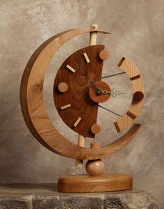 This is very beautiful idea for a handmade clock made of wood. Any wood clock handmade can be made of reclaimed birch wood. Wood Birch Clock Handmade updated: January 2017 by author: Linda Carpenter Woodworking Furniture Plans, Woodworking Projects That Sell, Fine Woodworking, Woodworking Classes, Woodworking Jointer, Woodworking Apron, Intarsia Woodworking, Woodworking Crafts, Woodworking Ideas Table