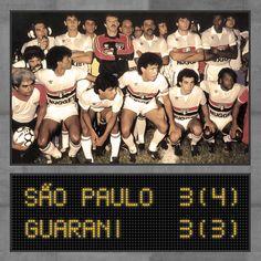 Campeão Brasileiro de 1986: Fonseca, Gilmar, Wágner Basílio, Darío Pereyra e Bernardo; Tião (roupeiro), Müller, Silas, Careca, Pita e Sidnei