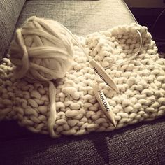 Regram from @katrinebd manuosh cloud yarn and glam circular knitting needles #manuosh #glamknit