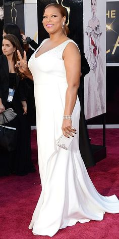 All the Star Arrivals at the Oscars! : Queen Latifah (love the lipstick)