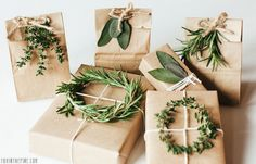 natural botanical gift wrapping idea. Beautiful!