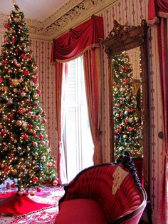 75 Creative Christmas Tree Decorating Ideas That Will Bring Joy To Your Home Creative Christmas Trees, Merry Christmas To All, Noel Christmas, Christmas Photos, Beautiful Christmas, Christmas Tree Decorations, Christmas Ideas, Merry Xmas, Holiday Ideas