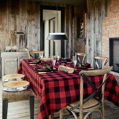 Hunter check tablecloth | Simons #maisonsimons #simonsmaison #decor #inspiration #homegoal #home #chalet #rustic #plaid #wintercatalogue #promotionnalbrochure #table