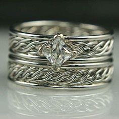 Different Styles of Wedding Bands for Women
