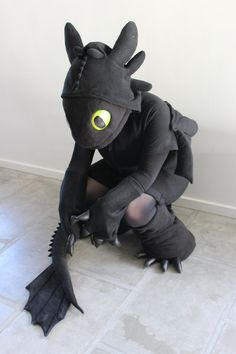 "I updated my Toothless Kigurumi cosplay with a mask, some ""gloves"" and ""bootcovers"". I still need a LOT of details to me made like Toothless' s. Toothless Kigu V Halloween Puns, Boy Halloween Costumes, Costumes For Teens, Halloween 2019, Kids Bat Costume, Costume Ideas, Pun Costumes, Animal Costumes, Cosplay Costumes"