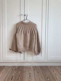 Best 10 Ravelry: Sunday Sweater pattern by PetiteKnit Knitting Needles, Free Knitting, Knit In The Round, Stockinette, Knitting For Beginners, Knitting Designs, Pulls, Knitwear, Knitting Patterns